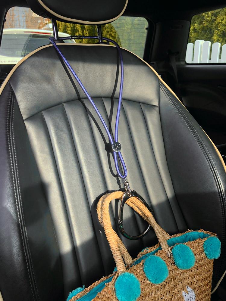 yo loc basic edition - blue metallic im Auto